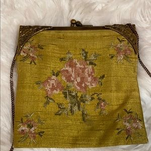 Bags - EMBROIDERED VINTAGE STYLE SHOULDER BAG SO PRETTY❤️
